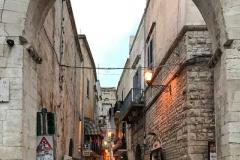 Piazzetta-62marinai-vista-dallarco-di-piazza-san-nicola-bari