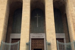 arcate-razionaliste-della-chiesa-di-san-ferdinando-in-via-sparano-da-bari