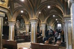 cattedrale-di-san-sabino-bari-cripta-barocca-con-molti-fedeli