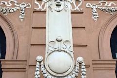 teatro-margherita-bari-dettaglio-della-facciata-in-stile-liberty