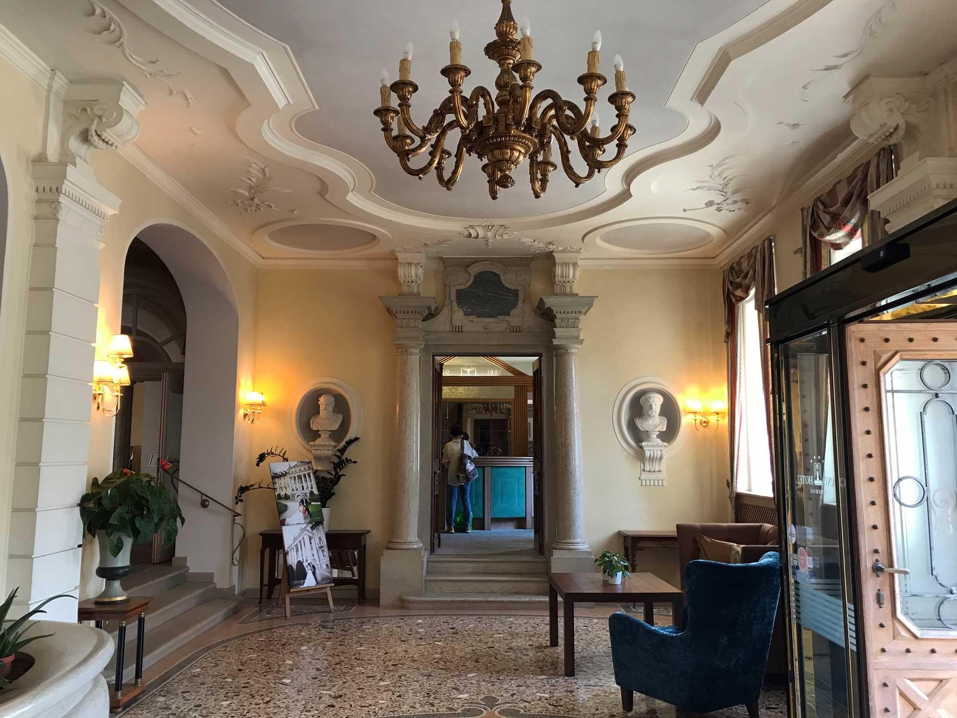 Grand-Hotel-Imperial-Levico-Terme-Valsugana-hall-ingresso