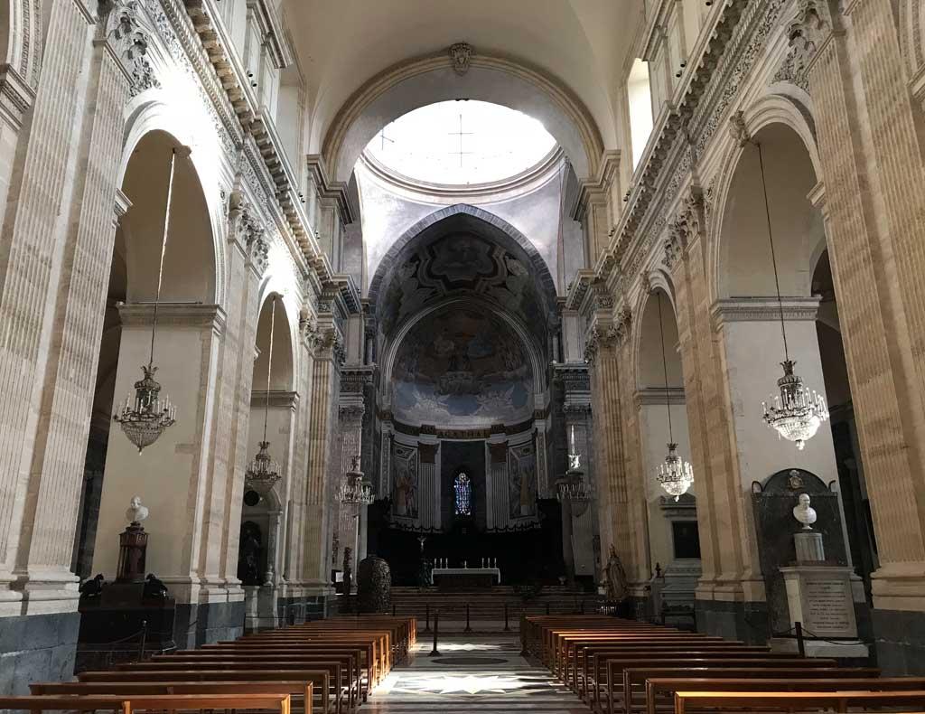 navata-centrale-della-cattedrale-di-santagata-di-catania