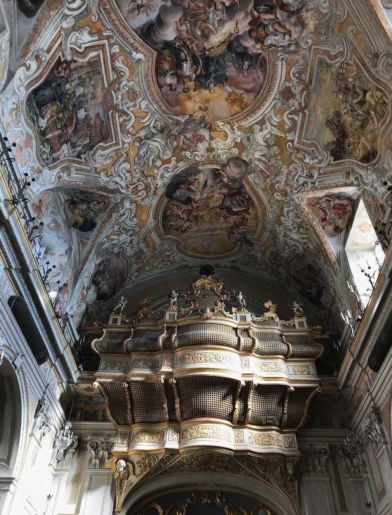 sito-storico-di-san-benedetto-catania-cantoria-lignea-a-forma-di-poppa-di-galeone