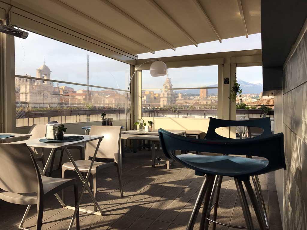 ostello-degli-elefanti-di-catania-vista-dal-bar-de-terrazzo-su-piazza-delluniversita