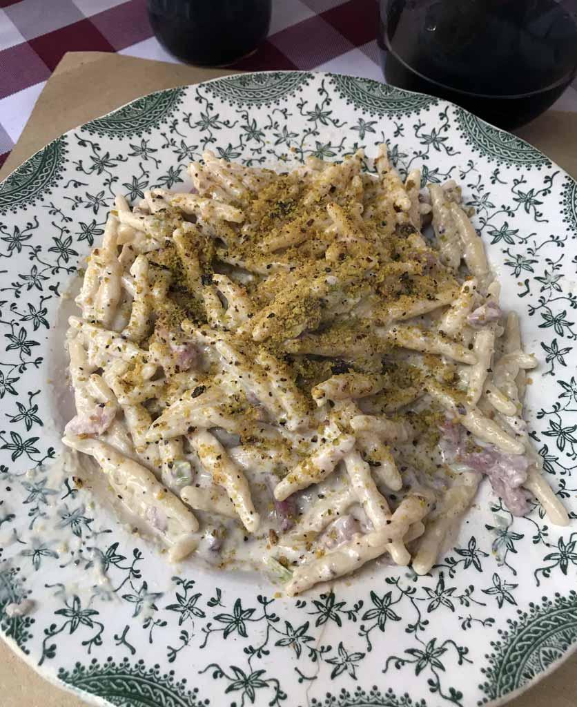 pasta-fresca-con-speck-e-pistacchio-shardania-bistrot
