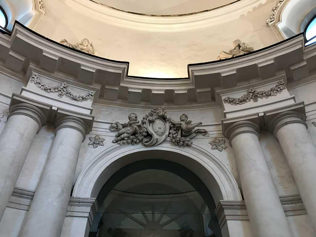 monastero-dei-benedettini-di-catania-dettaglio-della-decorazione-dellantirefettorio