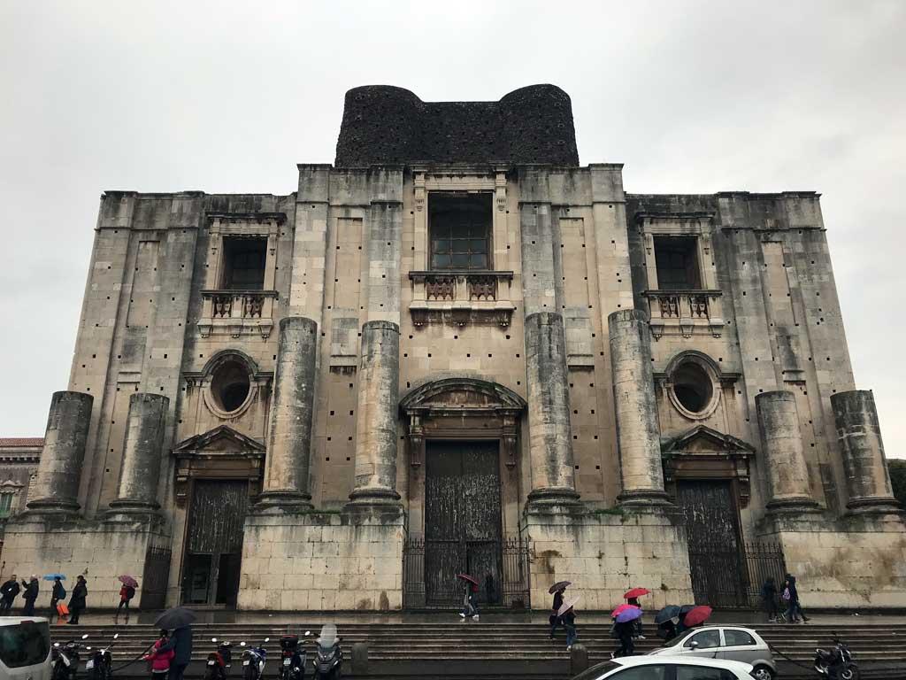 chiesa-di-san-nicolo-larena-catania-facciata-incompiuta
