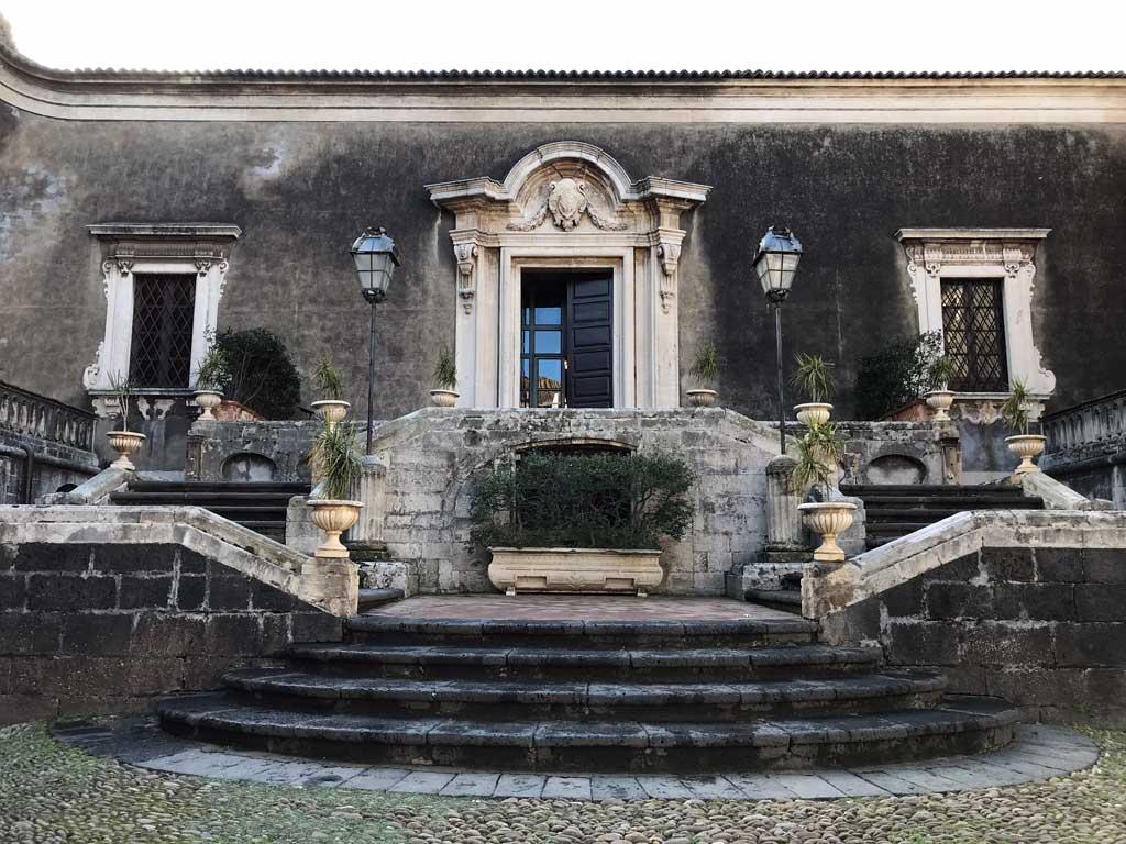 palazzo-biscari-catania-cortile-interno-video-dei-coldplay