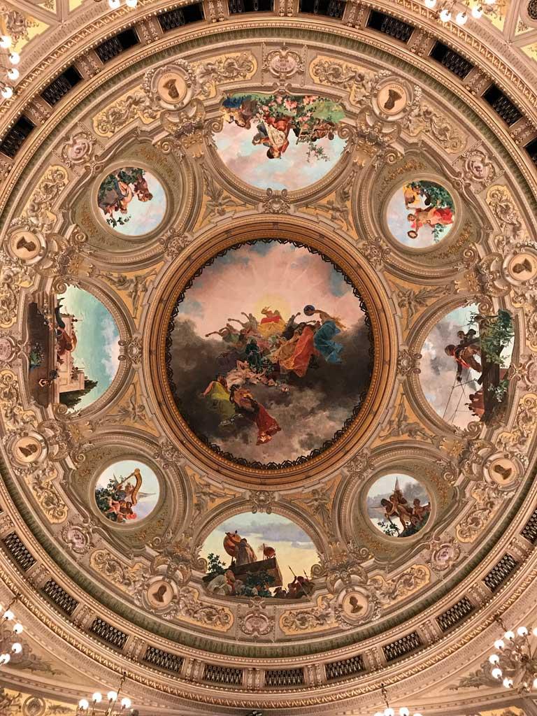 Teatro-bellini-catania-soffitto-dipinto-da-sciuti-affreschi-medaglioni