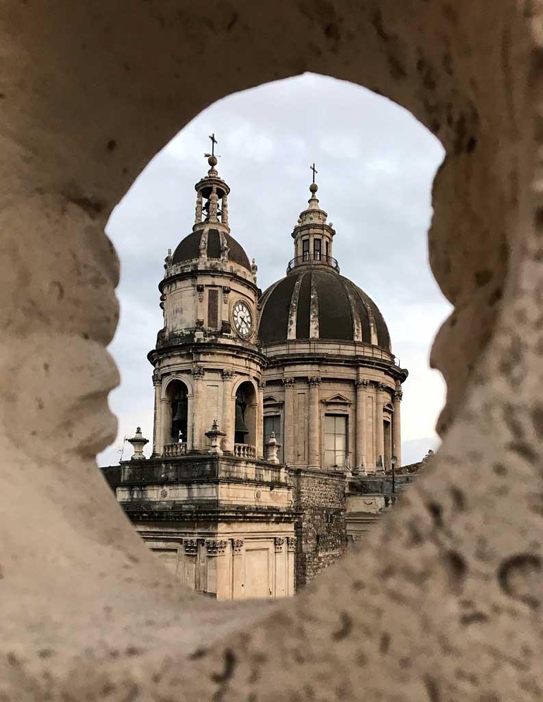 badia-santagata-catania-vista-sulla-cupola-della-cattedrale-di-santagata