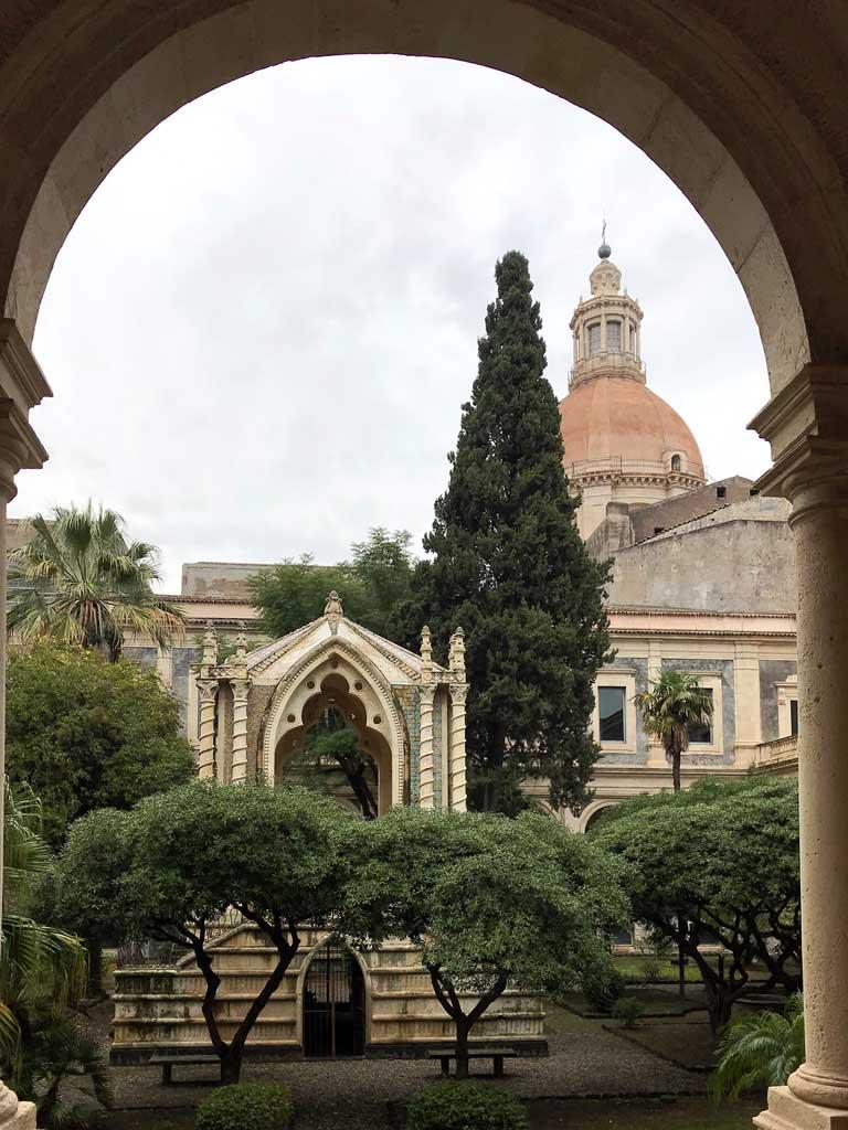 monastero-dei-benedettini-di-catania-chiostro-di-rappresentanza-caffeaus-stile-eclettico