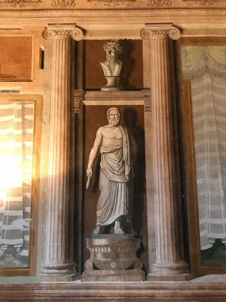 monastero-dei-benedettini-di-catania-stanza-dellabate-affreschi-pensatori-greci-e-latini