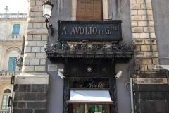 piazza-delluniversita-catania-insegna-negozio-gioielleria-avolio