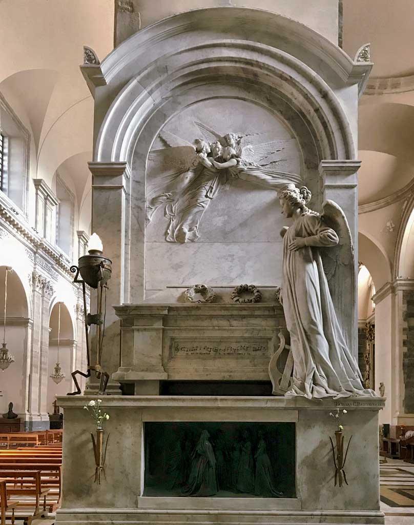 tomba-di-vincenzo-bellini-nella-cattedrale-di-santagata-a-catania