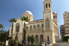 Cattedrale-di-limassol-esterno-palme-cielo-azzurro
