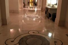 anassa-hotel-cipro-corridoio-lussuoso-in-marmo