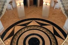 Anassa-hotel-Cipro-scalinata-sfarzosa-hall-decorata-con-marmi