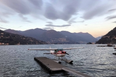 Como-aereo-sul-lago-lungolago-paesi-montagne-nuvole