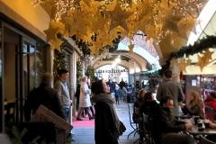 Piazza-San-Fedele-Como-citta-dei-balocchi-decorazioni-Blacket-stelle-luci