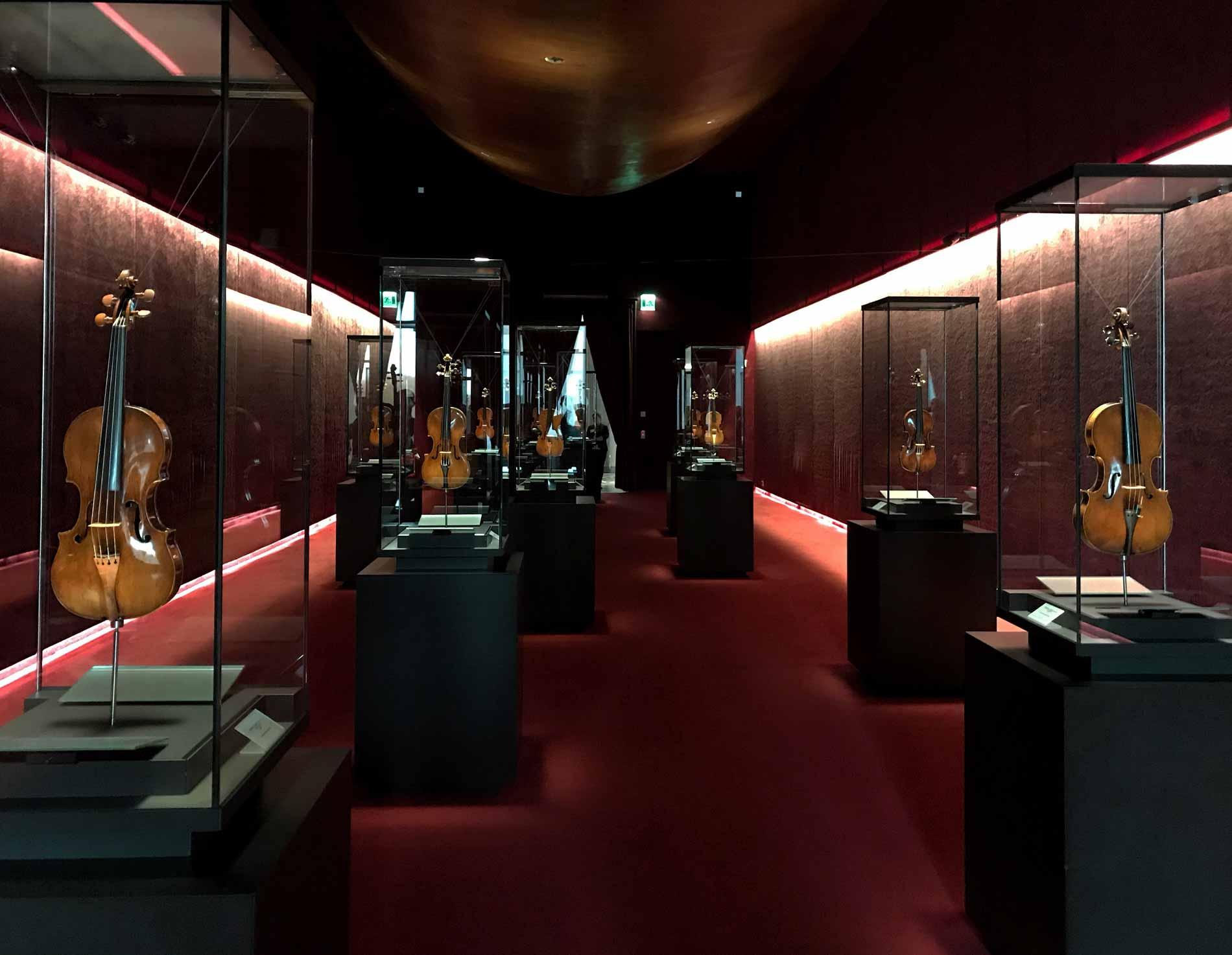 museo-del-violino-Cremona-scrigno-dei-tesori-violini-stradivari-amati-guarneri