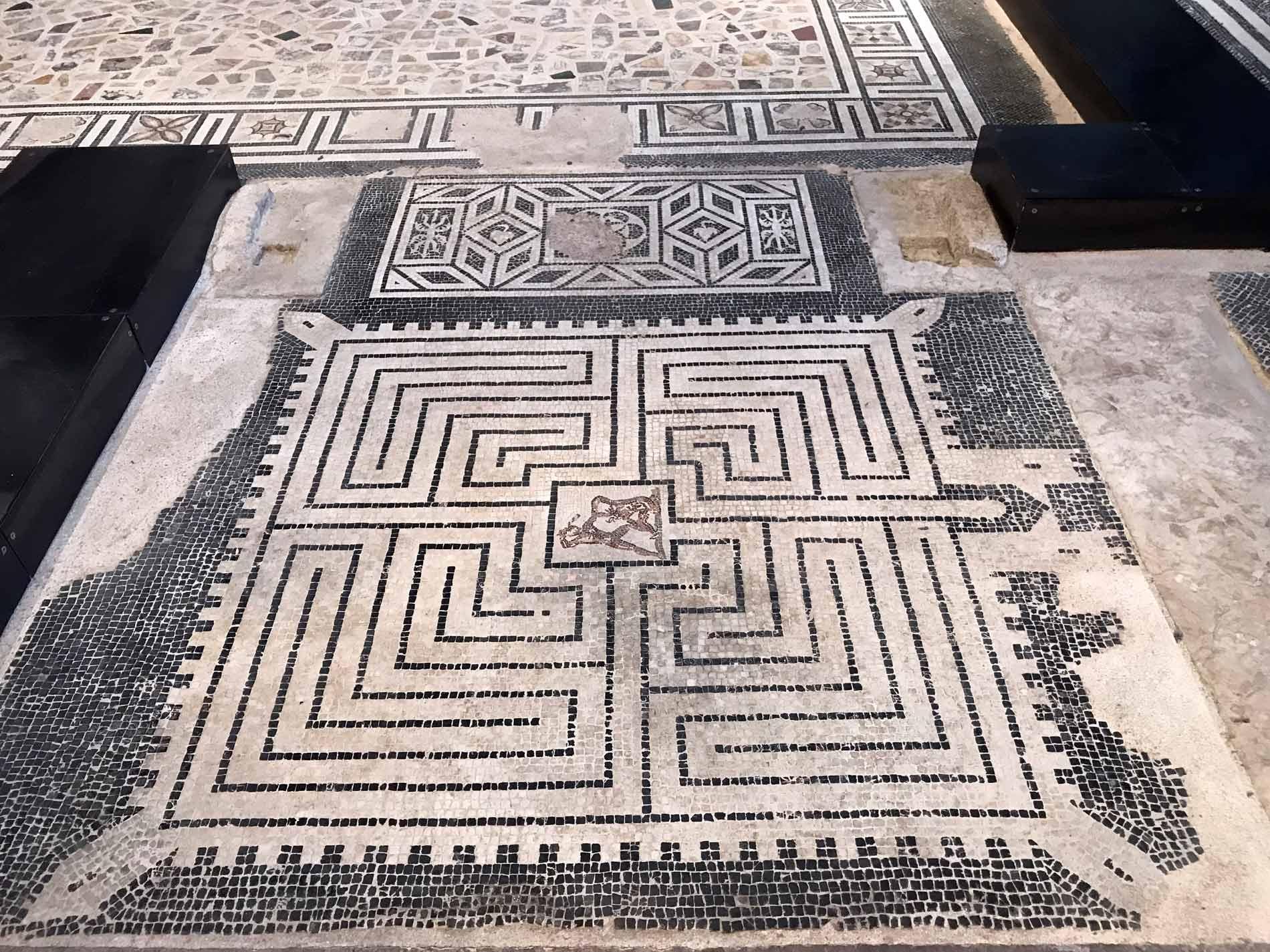 Museo-archeologico-Cremona-chiesa-San-Lorenzo-mosaici-pavimentali-romani