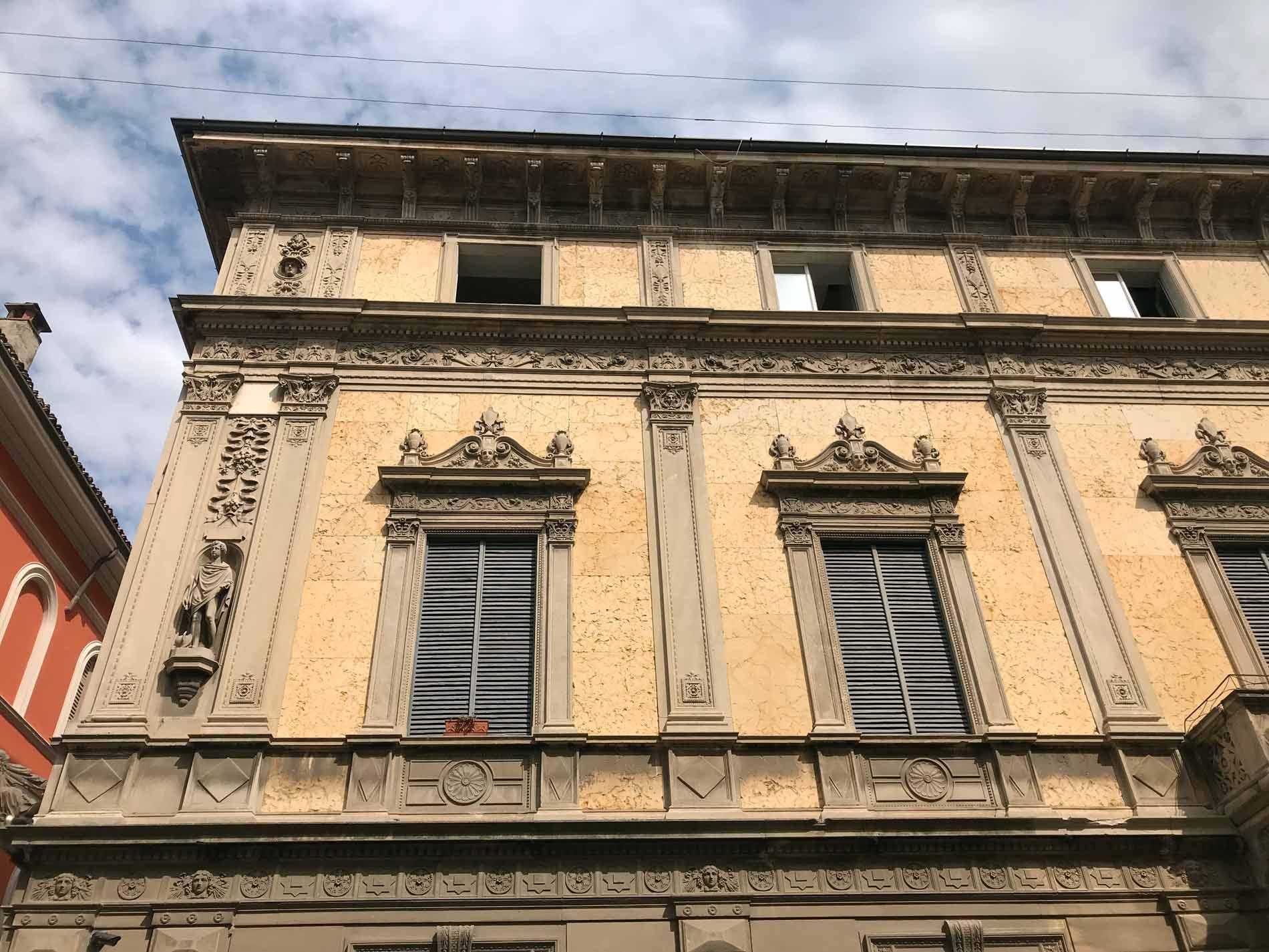 cremona-palazzo-corso-matteotti-cielo
