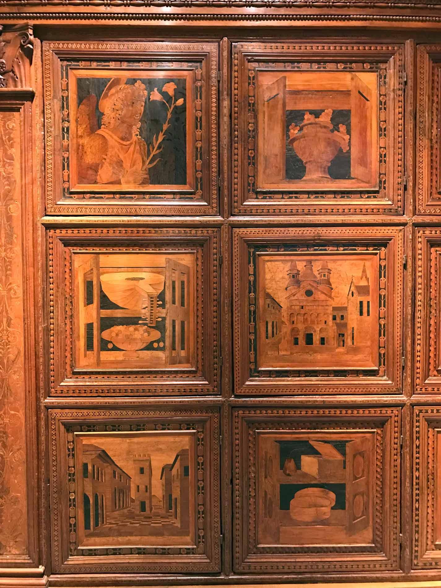 Museo-civico-ala-ponzone-cremona-cassapanca-legno-intersiato-platina