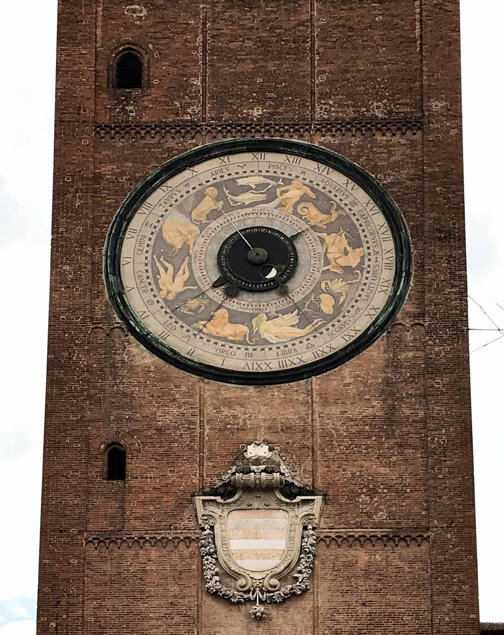 Torrazzo-Cremona-facciata-orologio-astronomico-Francesco-Divizioli