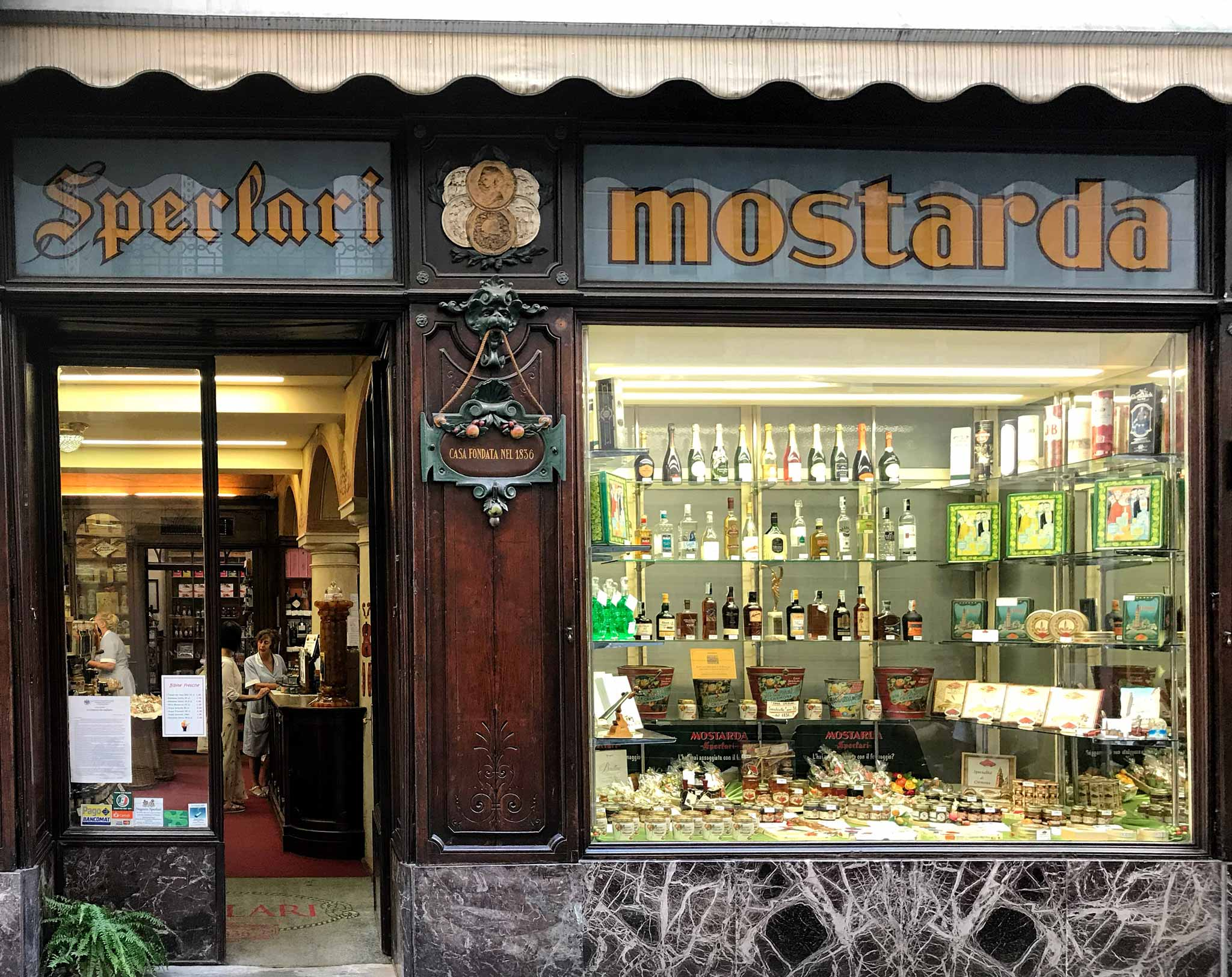 Cremona-negozio-sperlari-via-solferino-torrone-mostarda