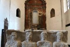 Museo-archeologico-Cremona-chiesa-San-Lorenzo-stele-funeraria-affreschi-rinascimentali