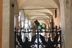 cremona-ingresso-palazzo-corso-matteotti-cancello-in-ferro-battuto-aquile