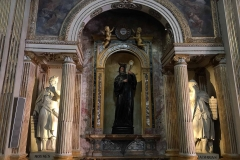 Chiesa-di-SantAbbondio-Cremona-interno-navata-statue-decorazioni-manierismo-lombardo