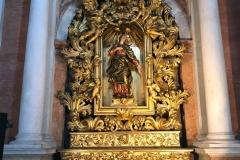 Cremona-battistero-interno-altare-madonna-addolorata-legno-giacomo-bertesi