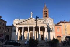 Chiesa-di-santAgata-corso-Garibaldi-cremona-facciata-colonne-doriche-stile-neoclassico