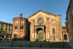 Chiesa-di-San-Luca-Cremona-facciata-mattoni-illuminata-dal-sole