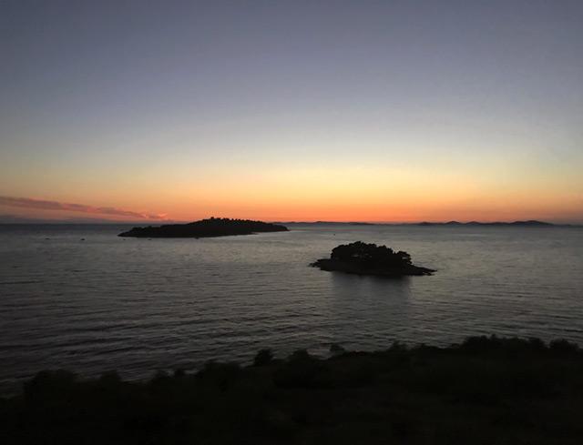 croazia-tramonto-sul-mare-visto-dalla-strada