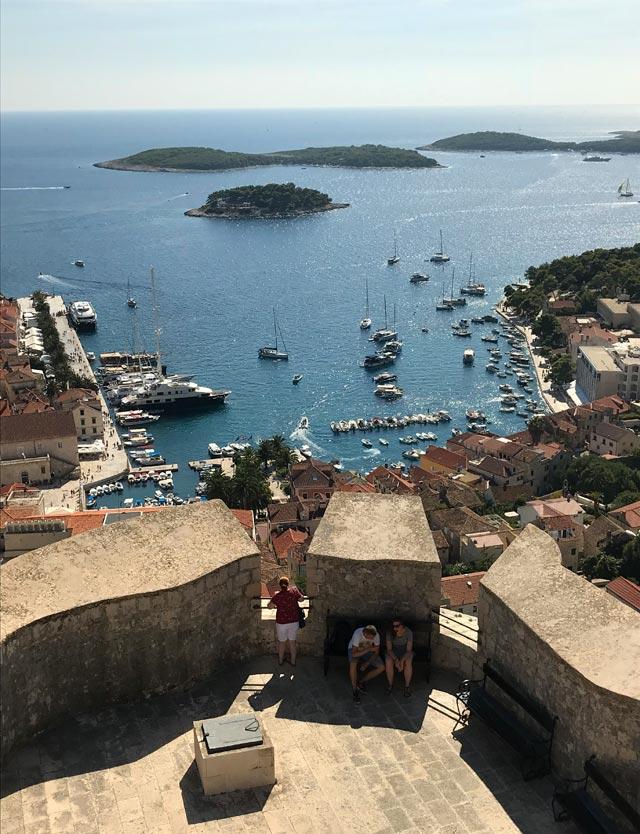 hvar-vista-dalla-fortezza-spagnola-mare-e-isole
