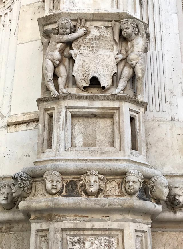 sebenico-esterno-della-cattedrale-con-sculture