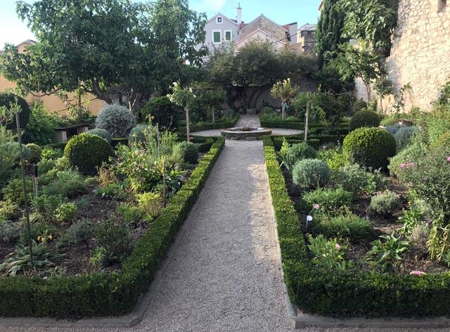 sebenico-giardino-medievale-convento-di-san-lorenzo