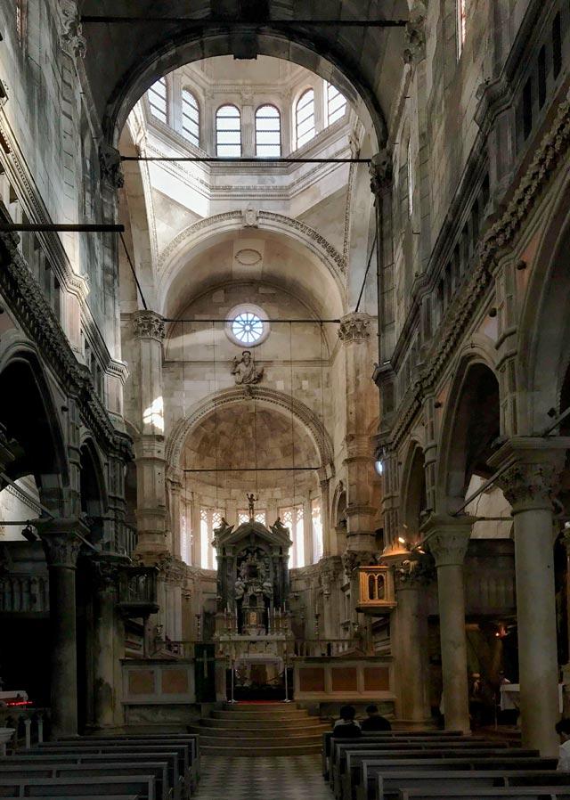 sebenico-navata-della-cattedrale-di-san-giacomo