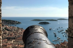 hvar-croazia-cannone-della-fortezza-spagnola