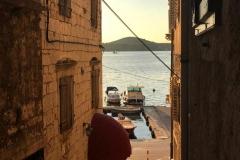 sebenico-tramonto-tra-le-case-sul-mare