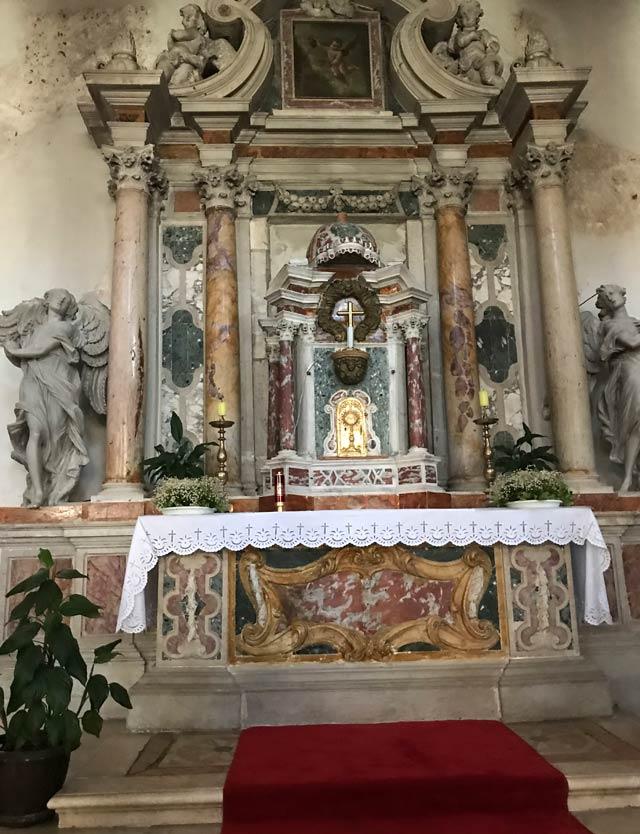 zara-chiesa-di-san-simeone-interno-barocco