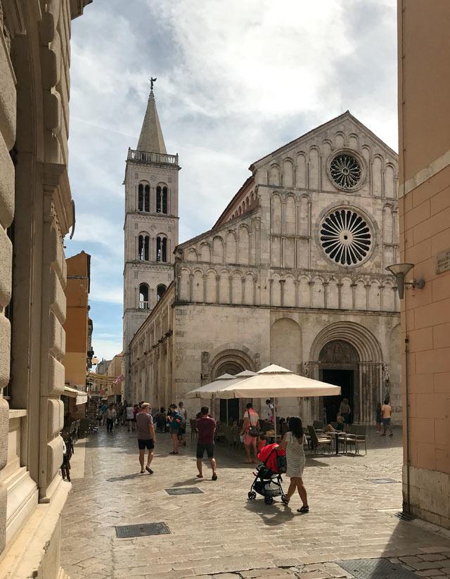 zara-croazia-cattedrale-di-santanastasia-facciata