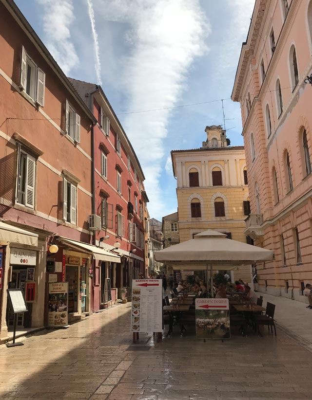 zara-dalmazia-vie-moderne-del-centro-storico