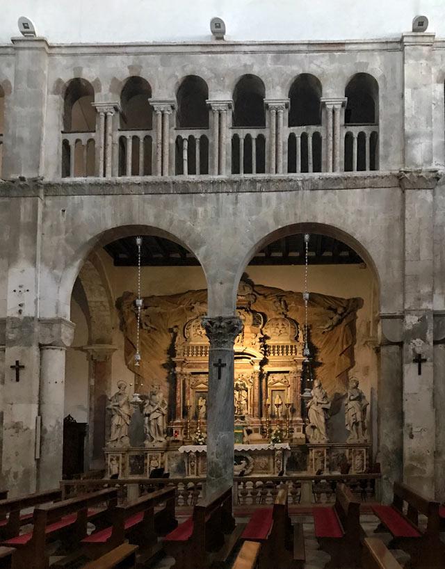 zara-interno-della-cattedrale-di-santanastasia