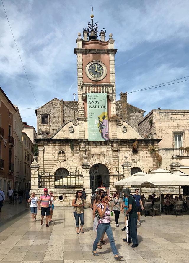 zara-piazza-del-popolo-e-torre-dellorologio