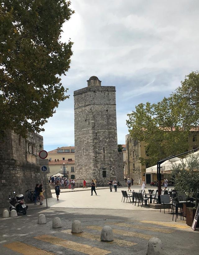 zara-torre-medievale-bablja-kula-fortificazioni