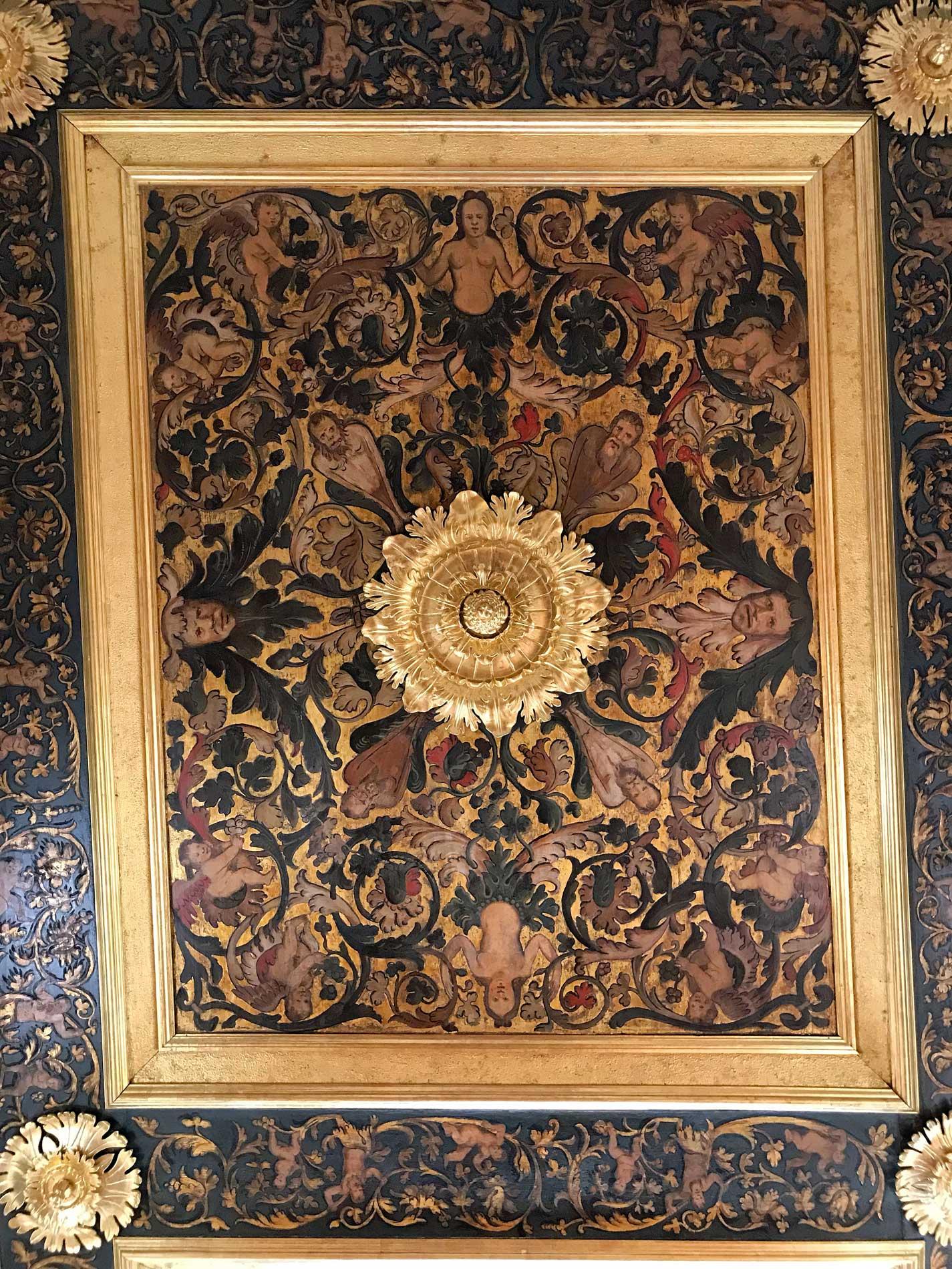 Dubrovnik-Croazia-Palazzo-dei-Rettori-soffitto-decorato