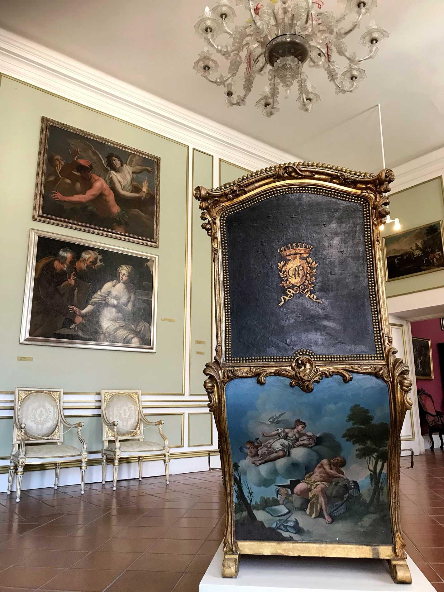 Dubrovnik-Croazia-Palazzo-dei-rettori-stanza-stile-rococo-portantina